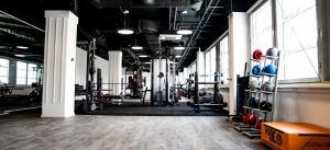 Allround opbouwluidsprekers in fitnessruimte Losjes Indoor